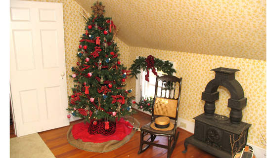 Upstairs room at the Flint House decorated for the annual Holiday Home Tour