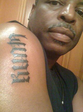 Levar shows off his tattoo