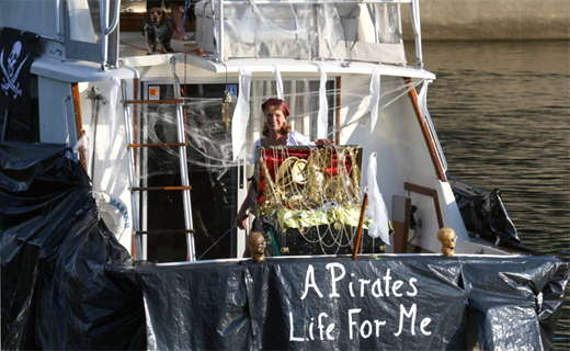 Click to see more Canalfest Boat Parade Photos